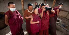Monks_with_Camera